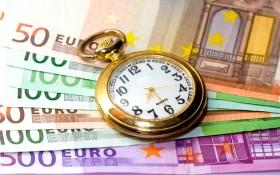 fickur och euro sedlar